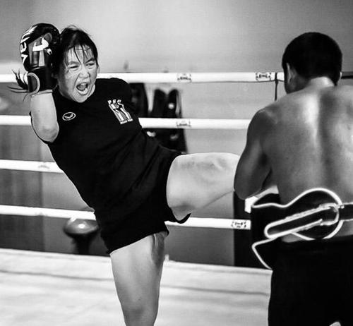 Jo fighting